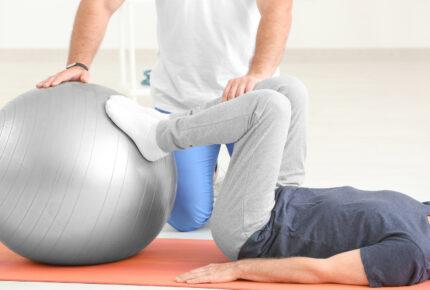 Physio Hassenpflug - Die Anwendung Manuelle Therapie in Viersen